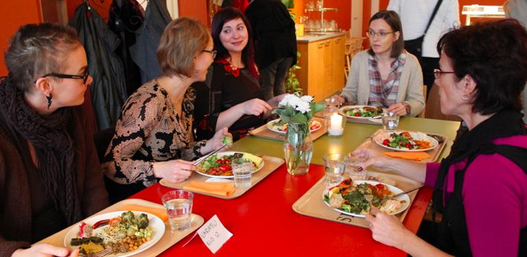 Mamaonbis-lounas ja uusi Planner