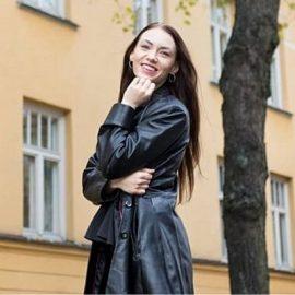 24 Taru Tammikallio: Rohkea hyppy yrittäjäksi uudelle alalle
